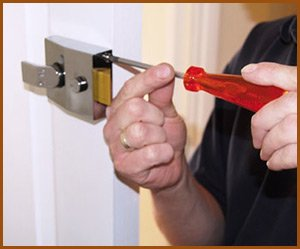 Interstate Locksmith Shop Chicago, IL 312-601-7605